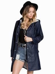 Kjøp lang regnkåpe til dame på nett i nettbutikk